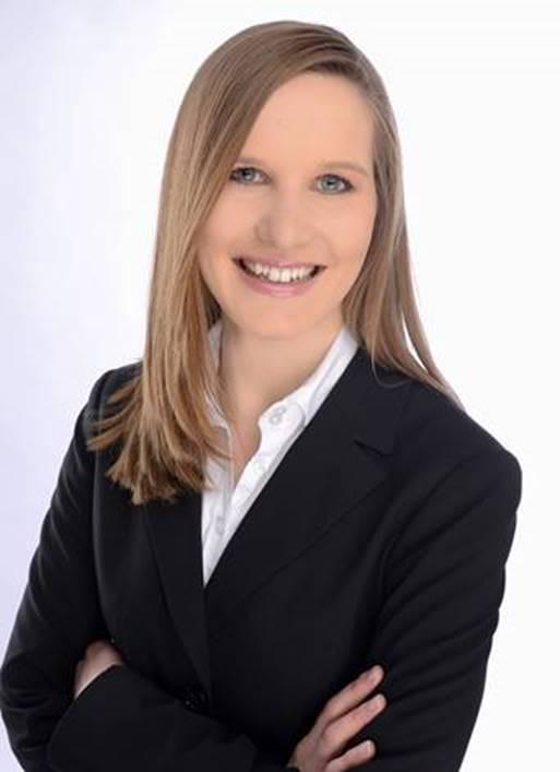 Nina Stolle